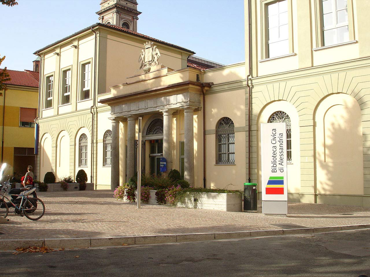 Ingresso della biblioteca civica